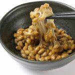 納豆は腐るとどうなる?表面にできる白い粒々は食べられる?